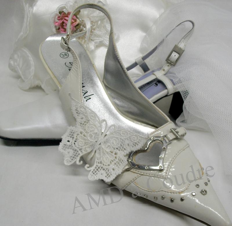 bijoux de chaussures pour mariées papillon blanc broderie amd a coudre (11)