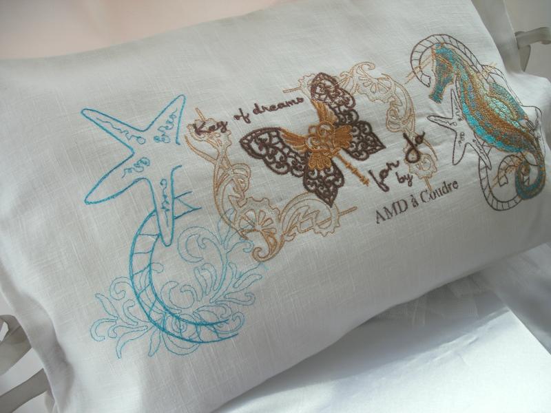 coussin brodé nautilus et papillon cle for jo by amd a coudre (2)