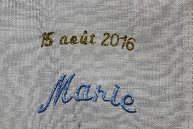 ECHARPE DE BAPTEME PERSONNALISEE BRODERIE VIERGE MARIE PAR AMD A COUDRE (8)