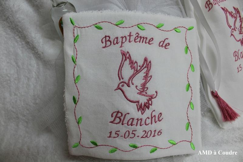 MOUCHOIR DE BAPTEME LIN MELANGE BOUBLURE EPONGE PERSONNALISATION PAR AMD A COUDRE MOTIF COLOMBE (8)