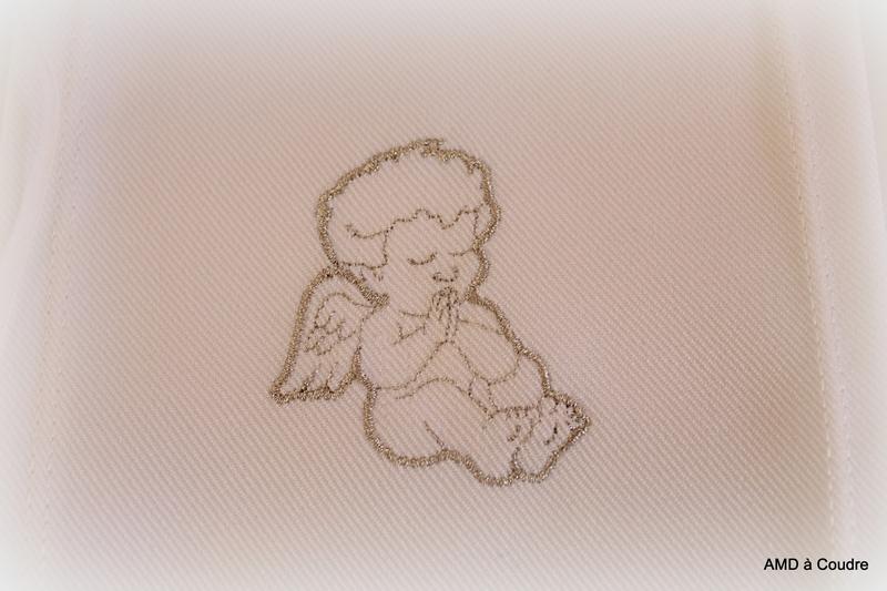 190317 ETOLE BAPTEME PERSONNALISEE POUR EMMA ANGELOT ARGENT BRODERIE AMD A COUDRE (4)