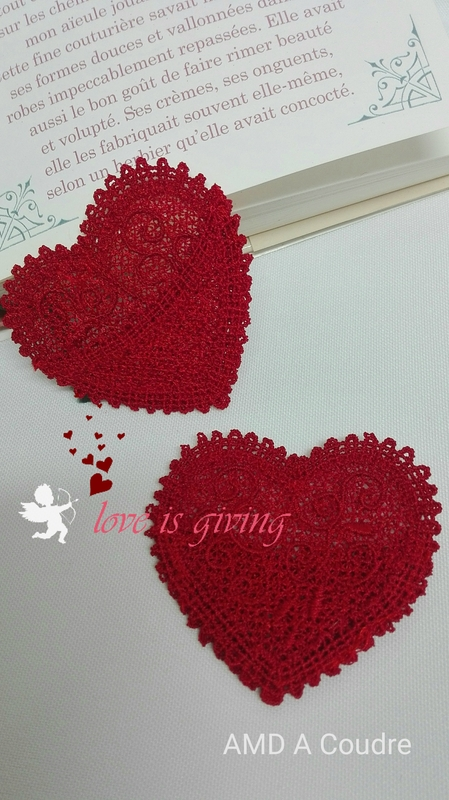 COEUR MARQUE PAGES DENTELLE BRODERIE AMD A COUDRE (2)