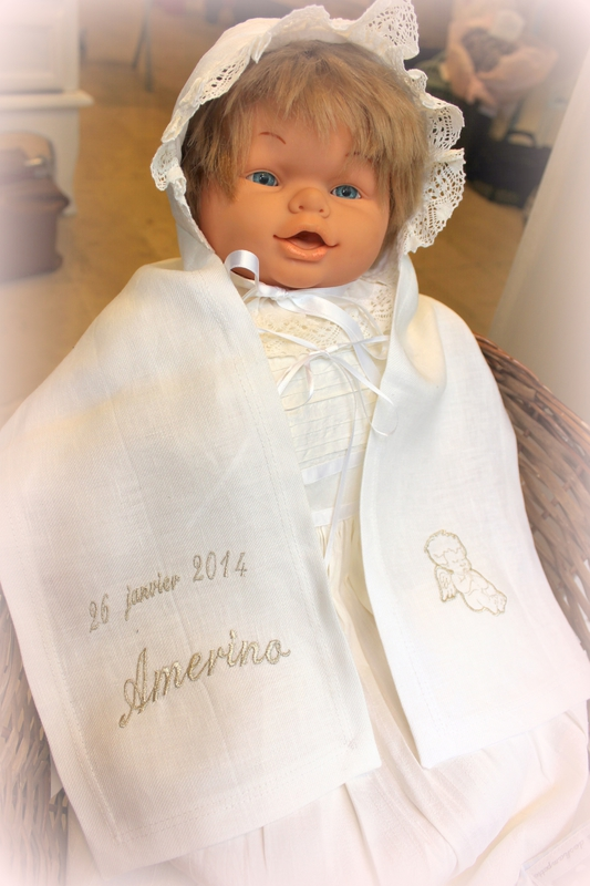 VITRINE COMALAGALRIE SISTERON THEME MARIAGE VINTAGE ET BAPTEME (14)
