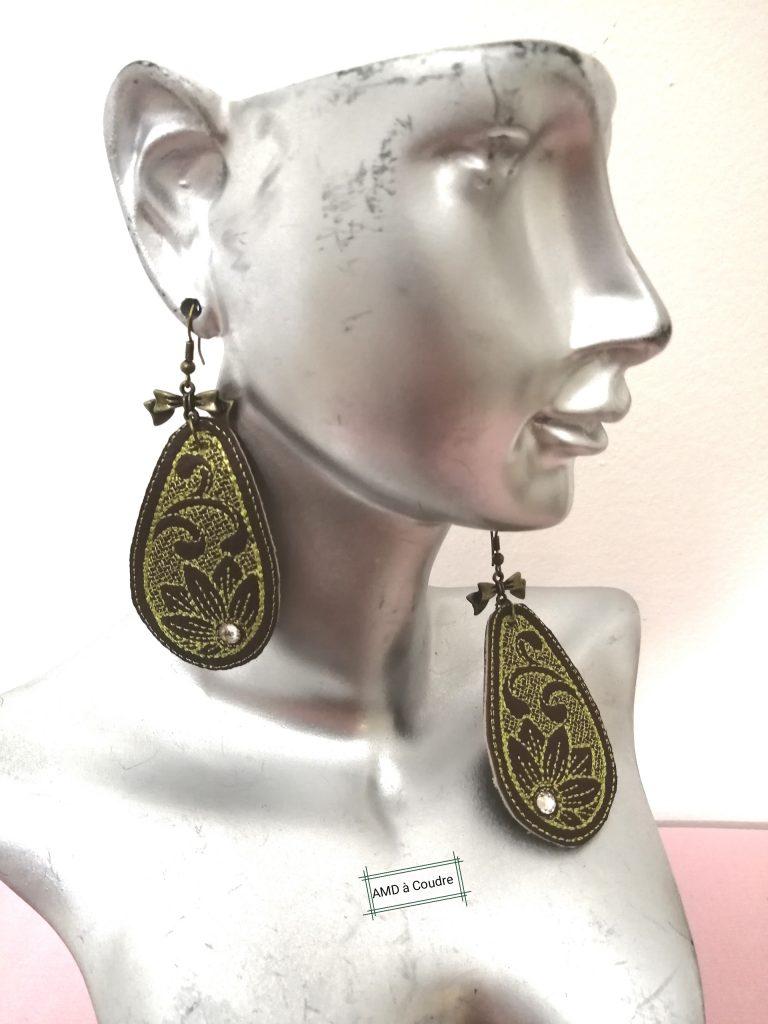 bijoux, boucles d'oreilles, simili cuir, broderie tournesol, ornement ,cristaux swarovski , amd a coudre, broderie a serres